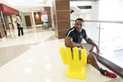Handshake hand chair: Da'Shawn Hand